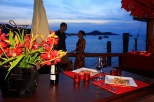 """Dinner zum Sonnenuntergang auf der """"Red Baron"""""""